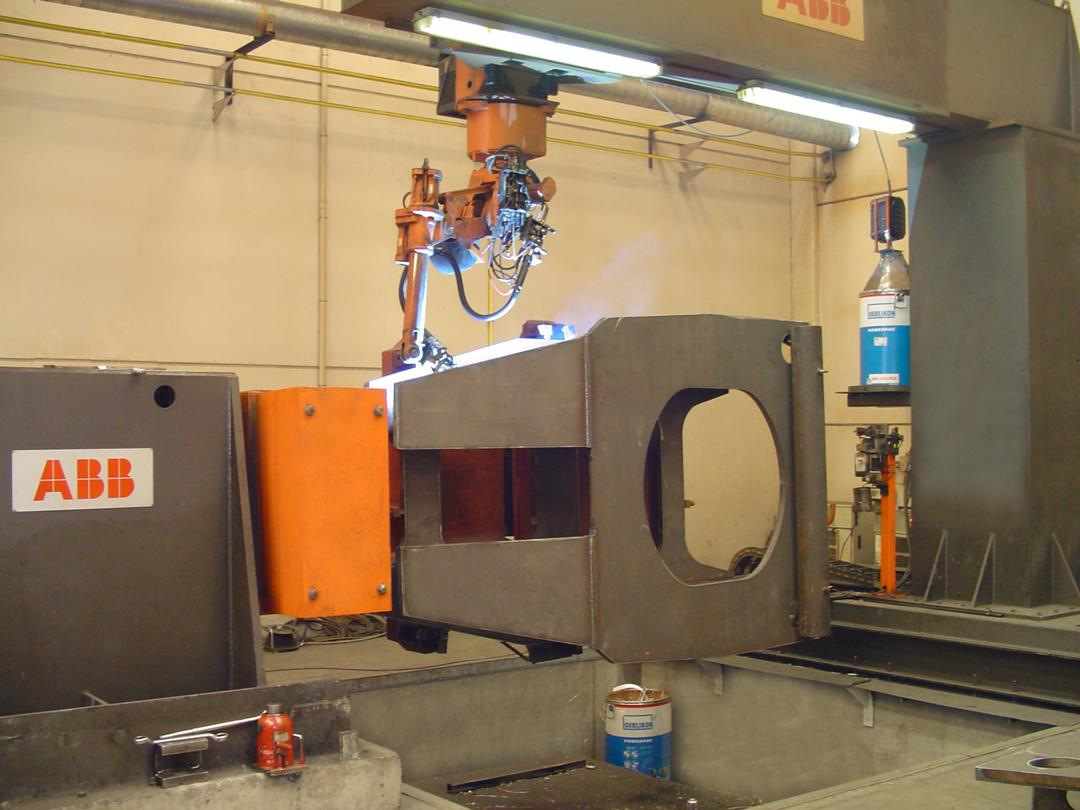 Robot ABB IRB 1400 suspendido