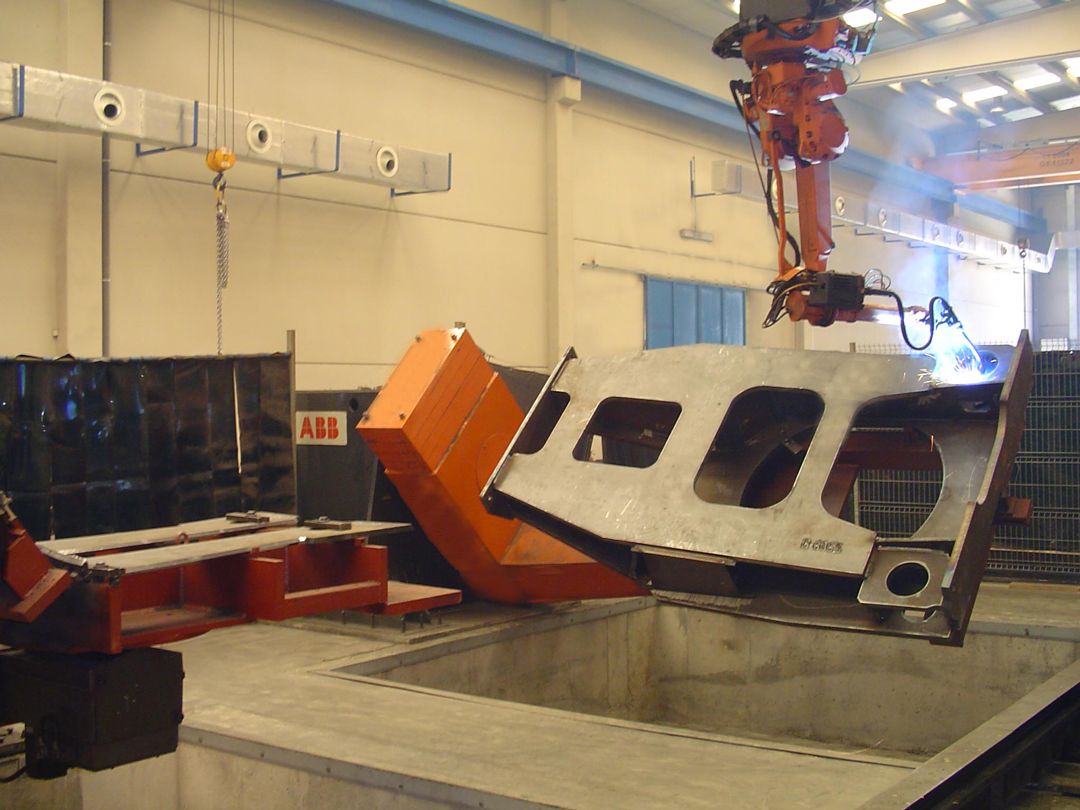 Robot ABB IRB 2400 suspendido